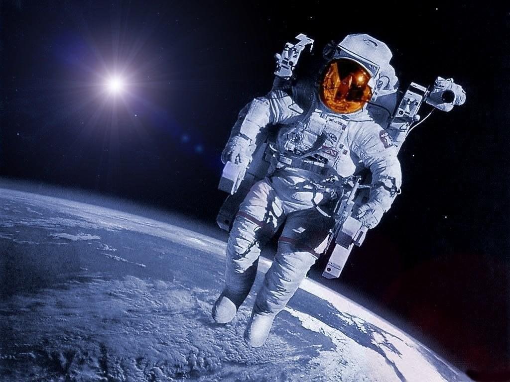 بدلة الفضاء