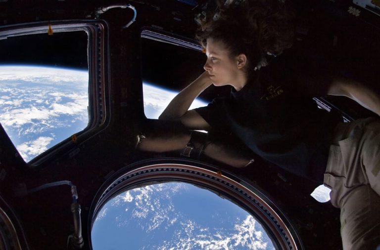 نظرة من محطة الفضاء الدولية ISS لرائدة الفضاء الأمريكية ترايسي كالدويل Tracy Caldwell.