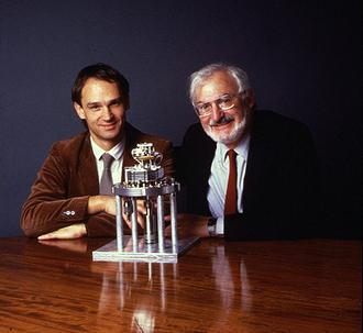 العالمان بنيغ وروهرر