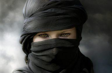 رداء البدو في الصحاري الحارة