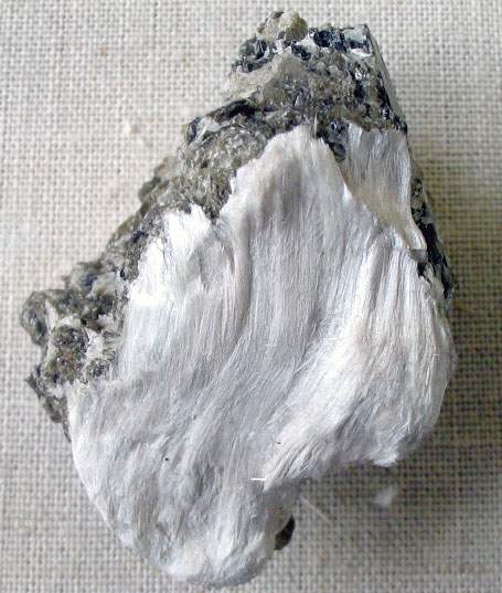 Asbestos_with_muscovite